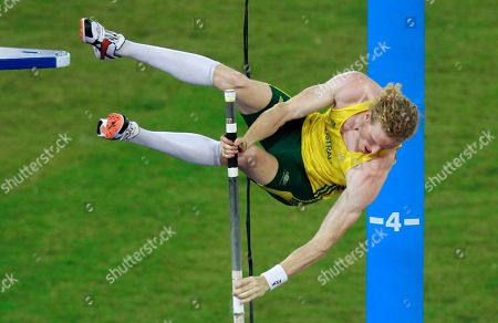 Australia's Steve Hooker misses an attempt on his way to winning the gold medal in the pole vault final during the Commonwealth Games at the Jawaharhal Nehru Stadium in New Delhi, India
