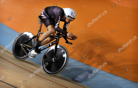 Jesse Sergent New Zealand's Jesse Sergent races on his way to winning the silver medal in the men's individual pursuit at the Commonwealth Games in New Delhi, India, Tuesday, Oct. 5, 2010