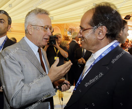 """Giulio Tremonti, Jean Paul Fitoussi Italian Minister of Economy and Finance Giulio Tremonti speaks with French economist Jean-Paul Fitoussi during the """"Intelligence on the World, Europe, and Italy"""" economic forum, at Villa d'Este, in Cernobbio, on the Como Lake, Italy"""