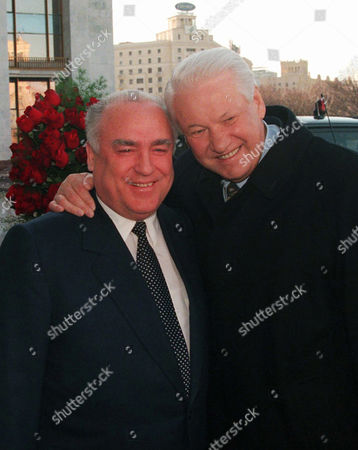 Boris Yeltsin, Viktor Chernomyrdin Russian President Boris Yeltsin hugs Russian Prime Minister Viktor Chernomyrdin, left, outside Russian government building in Moscow, Russia. Viktor Chernomyrdin, who served as Russia's prime minister in the turbulent 1990s as the country was throwing off communism and developing as a market economy, died . He was 72