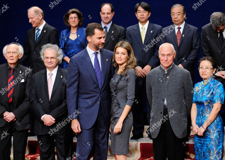 Zygmunt Bauman, Amin Maalouf, Crown Prince Felipe, Princess Letizia, Richard Serra, Xu Weihong Front row from left, Polish sociologist Zygmunt Bauman, Lebanese writer Amin Maalouf, Crown Prince Felipe, Princess Letizia, American artist Richard Serra and Xu Weihong, leader of the archaeological team behind the discovery of the Terracotta Warriors of Xi'an, pose for a group photo with the 2010 Prince of Asturias Award winners before their ceremony at Campoamor theatre in Oviedo, northern Spain, on