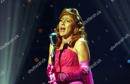 Stock Photo of 'Celebrity Stars In Their Eyes' TV - 2005 - Tracey Wilkinson as Julie London.