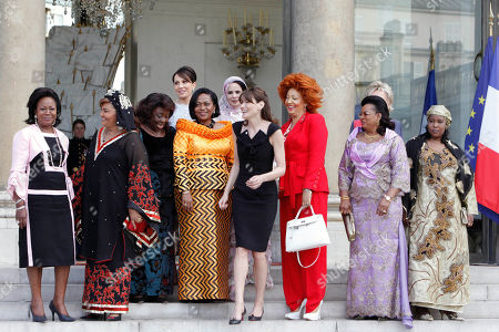 Carla Bruni-Sarkozy, Monique Bozize, Sylvia Bongo Ondimba, Chantal de Souza Yayi, Tekber Mint Melainine Ould Ahmed, Chantal Biya, Lobbo Traore Toure, Fati Alzouma Djibo Salou, Antoinette Sassou Nguesso, Chantal Compaore French First Lady Carla Bruni-Sarkozy, center, is seen with, left from right, First Ladies of Congo Antoinette Sassou Nguesso, of Burkina Faso Chantal Compaore, of Central African Republic Monique Bozize, of Gabon Sylvia Bongo Ondimba, of Benin Chantal de Souza Yayi, of Mauritania Tekber Mint Melainine Ould Ahmed, of Cameroon Chantal Biya, of Mali Lobbo Traore Toure and of Niger Fati Alzouma Djibo Salou as they leave the Elysee Palace, in Paris