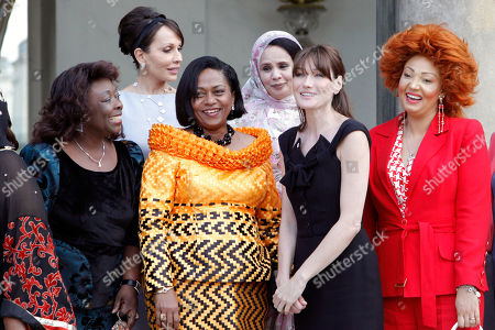 Carla Bruni-Sarkozy, Monique Bozize, Sylvia Bongo Ondimba, Chantal de Souza Yayi, Tekber Mint Melainine Ould Ahmed, Chantal Biya French first lady Carla Bruni-Sarkozy, second from left, is seen with, left from right, first ladies of Central African Republic Monique Bozize, of Gabon Sylvia Bongo Ondimba, of Benin Chantal de Souza Yayi, of Mauritania Tekber Mint Melainine Ould Ahmed and of Cameroon Chantal Biya, as they leave the Elysee Palace, in Paris