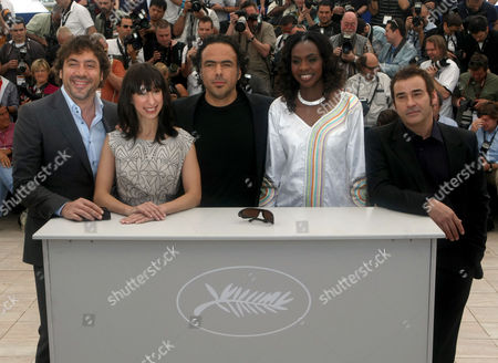 "Javier Bardem, Maricel Alvarez, Alejandro Gonzalez Inarritu, Diaryatou Daff, Eduard Fernandez From left, actor Javier Bardem, actress Maricel Alvarez, director Alejandro Gonzalez Inarritu, actress Diaryatou Daff and actor Eduard Fernandez pose during a photo call for ""Biutiful"", at the 63rd international film festival, in Cannes, southern France"
