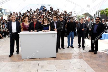 Kate Beckinsale, Tim Burton, Benecio Del Toro Jury members, from left, Alberto Barbera, Kate Beckinsale, Tim Burton, Giovanna Mezzogiorno, Alexandre Desplat, Benicio Del Toro, Victor Erice, Emmanuel Carrere and Shekhar Kapur during a photo call for the Jury, at the 63rd international film festival, in Cannes, southern France