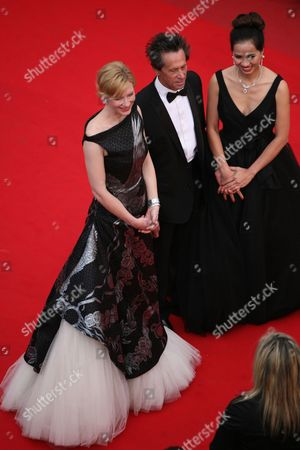 """Cate Blanchette, Brian Grazer, Chau-Giang Thi Nguyen Cate Blanchette, left, Brian Grazer and Chau-Giang Thi Nguyen arrive at the premiere for the film """"Robin Hood"""", at the 63rd international film festival, in Cannes, southern France"""