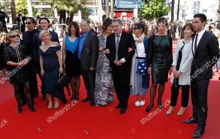 "Dominic Cooper, Posy Simmonds, Tamsin Greig, Anne Rothenstein, Stephen Frears, Lola Frears, Bill Camp, Moira Buffini, Luke Evans, Alexandre Desplat From right, actor Dominic Cooper, actress Posy Simmonds, actress Tamsin Greig, Anne Rothenstein, director Stephen Frears, Lola Frears, actor Bill Camp, actress Moira Buffini, actor Luke Evans, producer Alison Owen, jury member Alexandre Desplat and an unidentified guest arrive for the screening of the film ""Tamara Drewe"", at the 63rd international film festival, in Cannes, southern France"