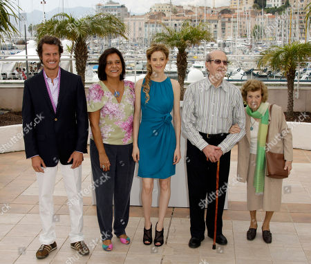 """From left to right, actor Ricardo Trepa, left, actress Ana Maria Magalhaes, actress Pilar Lopez de Ayala, director Manoel de Oliveira, and his wife Maria Isabel Brandao de Meneses de Almeida Carvalhais, pose during a photo call for """"The Strange Case of Angelica"""", at the 63rd international film festival, in Cannes, southern France"""