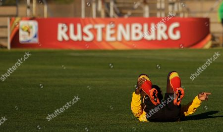 Quincy Owusu Abeyie Ghana's Quincy Owusu Abeyie stretches during a training session in Mogwase, outside of Rustenburg, South Africa . Ghana's national soccer team is preparing for their second Group D World Cup match, against Australia on June 19