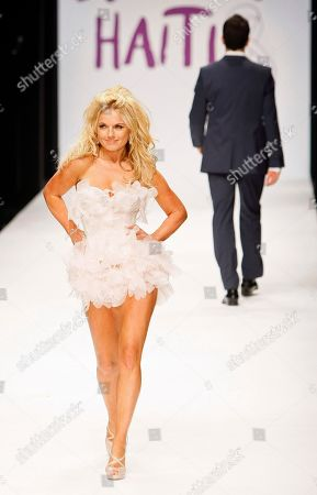 Geri Haliwell Former Spice Girl Geri Haliwell on the runway at Naomi Campbell's Fashion for Relief -Haiti show in London