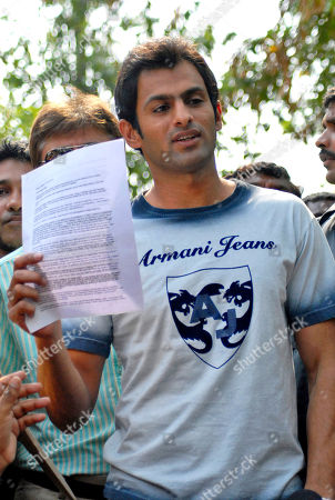 Shoaib Malik Pakistani cricketer Shoaib Malik holds a press release as he addresses the media outside Indian tennis player Sania Mirza's hoMe in Hyderabad, India, . According to news reports, Malik's alleged first wife Ayesha Siddiqui will file a case against the cricketer who has been accused of marrying and dumping her without a divorce. Malik is set to marry Mirza, a union of two of South Asia's most well known sports personalities