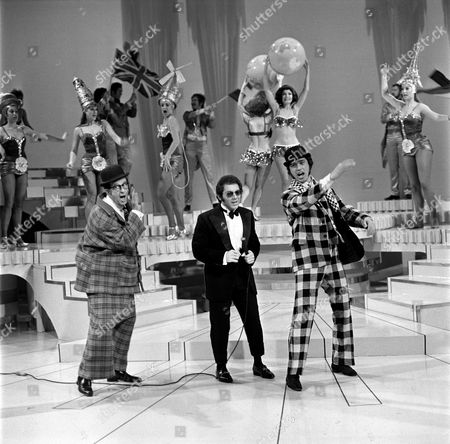 Phil Silvers (left) with Engelbert Humperdinck (right) and Paul Anka in 'Engelbert Humperdinck Show'