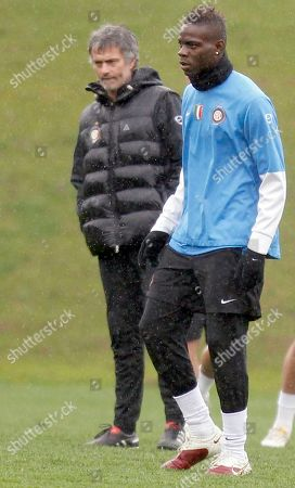 Jose Mourinho, Mario Balotelli Inter Milan coach Jose' Mourinho of Portugal, left, and forward Mario Balotelli, seen, during a training session ahead of the Champions League quarterfinal match against CSKA, in Appiano Gentile, Italy