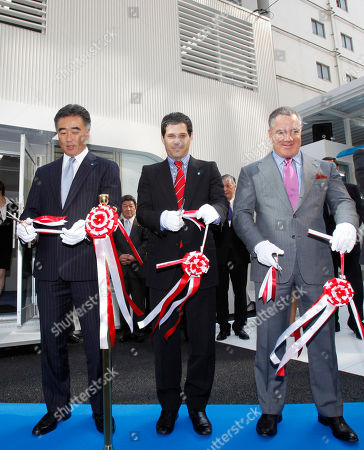 Shai Agassi, Idan Ofer, Kiyotaka Fujii California-based electric-vehicle services provider Better Place Chief Executive Shai Agassi, center, Better Place Chairman of the Board Idan Ofer, right, and Better Place Japan President Kiyotaka Fujii cut a ribbon at the opening ceremony of a battery switch station for electric cabs in Tokyo, Japan, . Three electric cabs began a 90-day trial in Tokyo Monday that officials and the company involved say could eventually lead to the electrification of the city's entire taxi fleet. Better Place and Nihon Kotsu taxi company, Tokyo's biggest, are cooperating with the test-run of cabs that run on lithium-ion batteries that can be changed in less than one minute with fully charged ones at the station