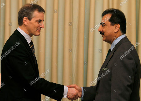 Jonas Gahr Store Yousuf Raza Gillani Norwegian Foreign Minister Jonas Gahr Store, left, shakes hand with Pakistani Prime Minister Yousuf Raza Gilani prior to their meeting in Islamabad, Pakistan on . Store is in Pakistan to hold talks with Pakistani leadership to discuss bilateral, international and region issues