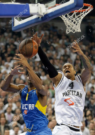Alan Anderson, Lawrence Roberts Alan Anderson of Maccabi Electra, left, challenges for the ball with Lawrence Roberts of Partizan Belgrade, during their Euroleague Quarterfinal basketball match, in Belgrade, Serbia