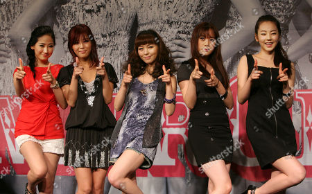 South Korean music group The Wonder Girls, from left, Park Ye-eun, Kim Yu-bin, Min Sun-ye, Yu Heylim and Ahn So-hee, pose for media during a press conference to promote their new album in Taipei, . Earlier in April 2010 the group announced a 20-show tour of the U.S. and Canada