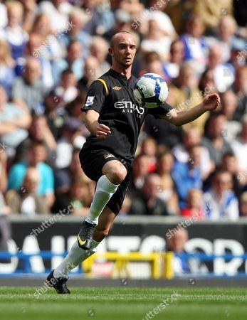 OTK Manchester City's Stephen Ireland control's the ball during their English Premier League soccer match against Blackburn Rovers at Ewood Park Stadium, Blackburn, England, . (AP Photo/Scott Heppell) ** NO INTERNET/MOBILE USAGE WITHOUT FOOTBALL ASSOCIATION PREMIER LEAGUE(FAPL)LICENCE. CALL +44