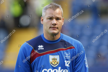 Brian Jensen Burnley's goalkeeper Brian Jensen looks on as he warms-up before the start of their English Premier League soccer match against Chelsea at Stamford Bridge, London, . (AP Photo/Sang Tan) ** NO INTERNET/MOBILE USAGE WITHOUT FOOTBALL ASSOCIATION PREMIER LEAGUE (FAPL) LICENCE - CALL +44