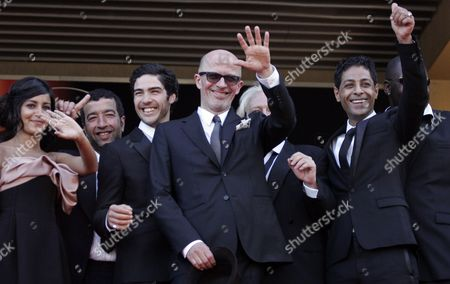 Leila Bekhti, Jaques Audiard, Tahar Rahim, Hichem Yacoubi From left, French actors Leila Bekhti, Adel Bencherif, Tahar Rahim, French director Jacques Audiard and Hichem Yacoubi arrive for the screening of the film 'Un Prophete' (A Prophet) during the 62nd International film festival in Cannes, southern France