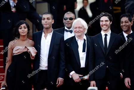 Leila Bekhti, Adel Bencherif, Niels Arestrup, Tahar Rahim, Hichem Yacoubi French actors Leila Bekhti, left, Adel Bencherif, second from left, Niels Arestrup, center, Tahar Rahim, second from right, and Hichem Yacoubi arrive on the red carpet for the screening of 'Un Prophete' (A Prophet), during the 62nd International film festival in Cannes, southern France