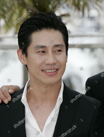 Shin Ha-Kyun South Korean actor Shin Ha-Kyun at a photo call for the film 'Bak-Jwi' (Thirst) during the 62nd International film festival in Cannes, southern France