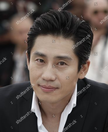 Shin Ha-Kyun South Korean actor Shin Ha-Kyun poses during a photo call for the film 'Bak-Jwi' (Thirst) at the 62nd International film festival in Cannes, southern France