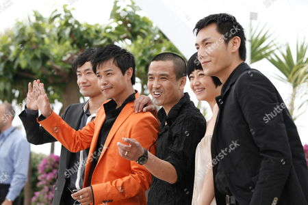 Hao Qin, Zhuo Tan, Sicheng Chen, Lou Ye, Wei Wu Hao Qin, right, Zhuo Tan, second from right, Chinese director Lou Ye, center, Sicheng Chen, second from left, and Wei Wu, left, are seen during a photo call for the film 'Chun Feng Chen Zui De Ye Wan' (Spring Fever), during the 62nd International film festival in Cannes, southern France