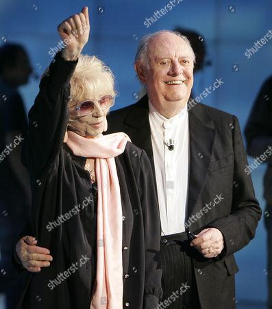 """Dario Fo, Franca Rame Italian Nobel prize winner Dario Fo, right, and his wife Franca Rame stand during the Italian State RAI TV program """"Che Tempo che Fa"""", in Milan, Italy"""