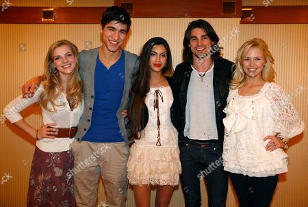 "Kara Killmer, Benjamin Elliot, Giglianne Braga, Justin Gaston Amanda Phillips American youngsters, from left, Kara Killmer, Benjamin Elliot, Giglianne Braga, Justin Gaston and Amanda Phillips, pose for photographers during a promotional event of new online show ""IF I CAN DREAM"" in Tokyo, Japan"