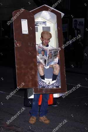 Halloween costume. A man walks around Manhattan in his u0027outhouseu0027 styled Halloween costume ... & Outhouse Stock Photos Editorial Images and Stock Pictures ...