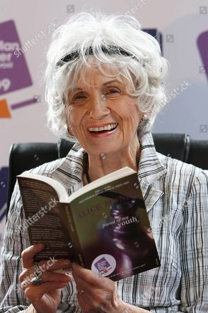 Canadian Author Alice Munro at a press conference at Trinity College, Dublin, Ireland. Munro has won the 2013 Nobel Prize in literature
