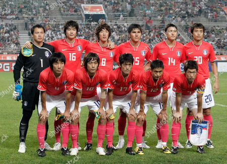 Ki Sung-yueng, Kim Jung-woo, Kim Dong-jin, Lee Jung-soo, Lee Dong-gook, Cho Yong-hyung, Park Chu-young, Lee Chung-yong, Lee Young-pyo, Park Ji-sung South Korea national soccer players, back row from left to right, Lee Woon-jae, Ki Sung-yueng, Kim Jung-woo, Kim Dong-jin, Lee Jung-soo, Lee Dong-gook and front row from left to right, Cho Yong-hyung, Park Chu-young, Lee Chung-yong, Lee Young-pyo, Park Ji-sung pose before the friendly soccer match against Australia at Seoul World Cup Stadium in Seoul, South Korea