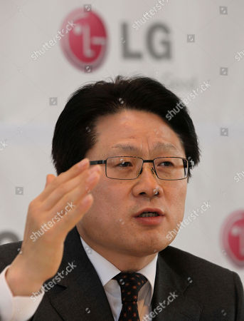 Skott Ahn Skott Ahn, CEO of LG Electronics mobile phone unit, speaks during a press conference in Seoul, South Korea, . LG Electronics Inc. said Wednesday that it expects a significant increase in mobile phone sales this year as it roles out 20 new smartphones and aims to become one of the world's top teo sellers by 2012