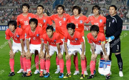 Cho Yong-hyung, Oh Beom-seok, Lee Keun-ho, Lee Chung-yong, Park Ji-sung, Ki Sung-yueng, Lee Jung-soo, Kim Dong-jin, Kim Jung-woo, Park Chu-young, Lee Woon-jae South Korea national soccer players, back row from left to right, Ki Sung-yueng, Lee Jung-soo, Kim Dong-jin, Kim Jung-woo, Park Chu-young, Lee Woon-jae and front row from left to right, Cho Yong-hyung, Oh Beom-seok, Lee Keun-ho, Lee Chung-yong, Park Ji-sung pose before the 2010 FIFA World Cup Asia group 2 qualifying soccer match against Iran at Seoul World Cup Stadium in Seoul, South Korea, Wednesday, June, 17, 2009