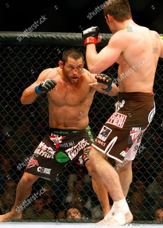 Dan Henderson, Rich Franklin Dan Henderson, from California, left, fights Rich Franklin, from Ohio, in the Light Heavyweight main event, UFC 93, in Dublin, Ireland