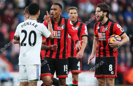 Junior Stanislas of Bournemouth argues with Steven Pienaar of Sunderland after a bad challenge during the Premier League match between AFC Bournemouth and Sunderland played at the Vitality Stadium, Bournemouth on 5th November 2016