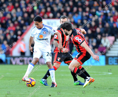 Steven Pienaar, of Sunderland, on the ball as Harry Arter, of Bournemouth, watches, during the Premier League match between Bournemouth and Sunderland, at The Vitality Stadium (Dean Court) on 5th November 2016.