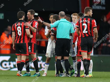 Steven Pienaar (C) of Sunderland sent off. Bournemouth v Sunderland, Premier League