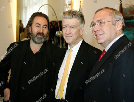 Hans Hurch, David Lynch, Alfred Gusenbauer U.S. movie director David Lynch, center, meets with Austrian Chancellor Alfred Gusenbauer, right, and director of the Viennale movie festival Hans Hurch, left, for talks in Vienna, on . Lynch is in Austria to promote his David Lynch Foundation