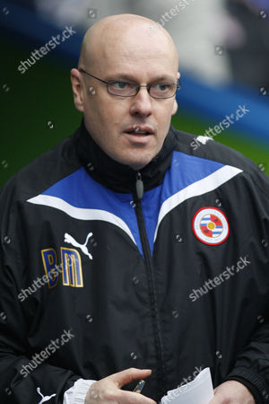 Brian McDermott Reading's manager Brian McDermott looks on from the dug-out before their English FA Cup 4th round soccer match against Burnley at Madejski Stadium, Reading, England, . (AP Photo/Sang Tan) ** NO INTERNET/MOBILE USAGE WITHOUT FOOTBALL ASSOCIATION PREMIER LEAGUE (FAPL) LICENCE. CALL +44