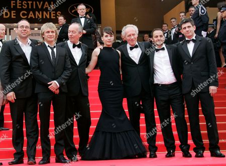 """Fabrizio Rongione, Jean-Pierre Dardenne, Arta Dobroshi, Luc Dardenne, Jeremie Renier, Olivier Gourmet, Alban Ukaj From left, Belgian actors Olivier Gourmet, Jeremie Renier, Belgian director Luc Dardenne, actress Arta Dobroshi, Luc Dardenne's brother Belgian director Jean-Pierre Dardenne, Belgian actor Fabrizio Rongione and Kosovo actor Alban Ukaj arrive for the premiere of the film """"Le Silence De Lorna"""" during the 61st International film festival in Cannes, southern France, on"""