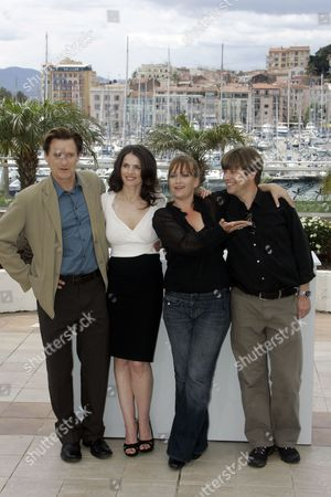 """Bill Pullman, Julia Ormond, Jennifer Lynch, Marco Mehlitz From left, American actor Bill Pullman, British actress Julia Ormond, American director Jennifer Lynch and producer Marco Mehlitz pose at the photo call for """"Surveillance"""" during the 61st International film festival in Cannes, southern France, on"""