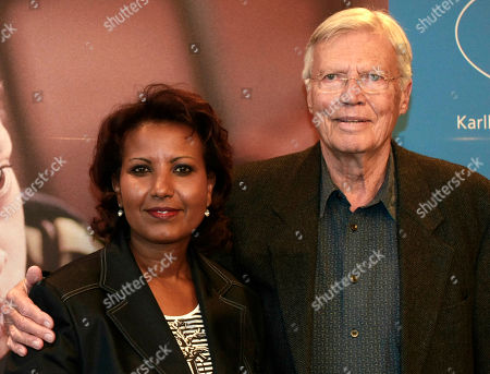 "Karlheinz Boehm, Almaz Boehm Der ehemalige Schauspieler Karlheinz Boehm, rechts, und seine Frau Almaz am Montag, 3. Maerz 2008 in Hamburg, Boehm, unterstuetzt mit seiner Stiftung ""Menschen fuer Menschen"" seit Jahren Projekte in Aethiopien. Am 16. Maerz 2008 wird Karlheinz Boehm 80 Jahre alt. (AP Photo/Fabian Bimmer) Former German actor Karlheinz Boehm, right, and his wife Almaz are seen prior to a press conference in Hamburg, Germany, on . Boehm, who supports several development projects in Ethiopia, will celebrate his 80th birthday on March 16, 2008"