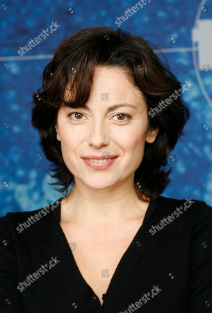 "Carolina Vera Carolina Vera posiert am Dienstag, 15. Januar 2008, in Hamburg bei der Vorstellung des neuen Stuttgarter ""Tatort"". Vera spielt die Staatsanwaeltin Emilia Alvarez. (AP Photo/Patrick Lux) Carolina Vera poses during the presentation of the new cast of Stuttgarts' edition of German TV criminal series ""Tatort"" in Hamburg on Tuesday, January 15., 2008"