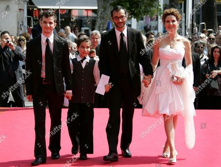"""Raphael Nadjari, Michael Moshonov, Yonathan Alster, Limor Goldstein French director Raphael Nadjari, second right, and Israeli cast members, from left, Michael Moshonov, Yonathan Alste, and actress Limor Goldstein arrive for the screening of the film """"Tehilim,"""" at the 60th International film festival in Cannes, southern France, on"""