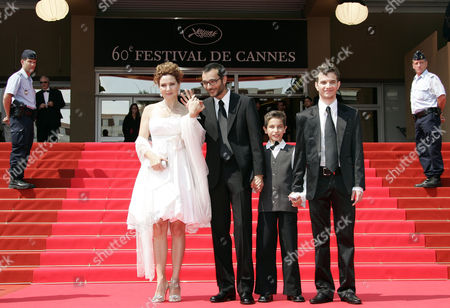 """Raphael Nadjari, Michael Moshonov, Yonathan Alster, Limor Goldstein French Director Raphael Nadjari, second left, and Israeli cast members, from left, Limor Goldstein, Yonathan Alster and Michael Moshonov arrive for the screening of the film """"Tehilim,"""" at the 60th International film festival in Cannes, southern France, on"""