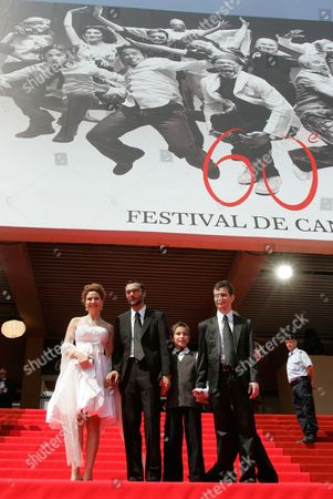 """Limor Goldstein, Raphael Nadjari, Yonathan Alster, Michael Moshonov French director Raphael Nadjari, second from left, arrives with Israeli actors, Limor Goldstein, left, Yonathan Alster and Michael Moshonov for the screening of the film """"Tehilim,"""" at the 60th International film festival in Cannes, southern France, on"""