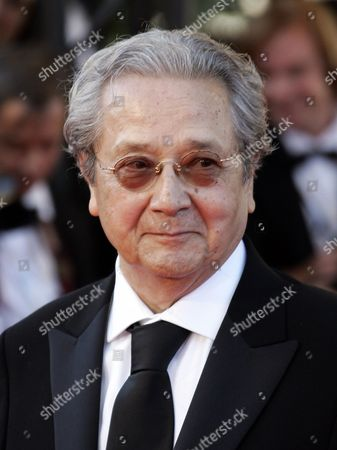 """Jacques Verges French lawyer Jacques Verges arrives for the screening of the film """"Zodiac"""" at the 60th International film festival in Cannes, southern France. Verges, called the """"Devil's advocate"""" for his flamboyant courtroom defense of the likes of former Nazi Klaus Barbie and Carlos the Jackal, died of cardiac arrest in Paris. He was 88"""